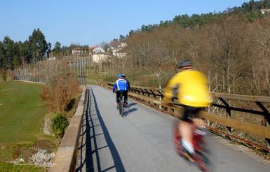 https://static.cm-fafe.pt/camara-municipal-fafe/296/235898/pista-cicloturismo-01.jpg